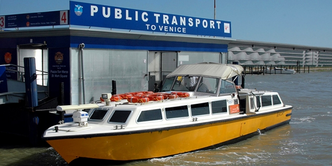 Public transport from Venice Airport to city centre.